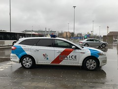 Luxembourg Police - Luxembourg Airport - March 17, 2019 (firehouse.ie) Tags: automobiles automobile l'auto autos coches coche aa2911 polizeiwagen polizeiauto polizei airport findel lux cars letzebuerg car cop wagon mondeo ford europe luxembourg police