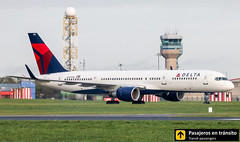 Boeing B757 Delta N707TW (Ana & Juan) Tags: airplane airplanes aircraft airport aviation aviones aviación boeing 757 b757 delta deltaairlines taxiing dublin dub eidw ireland spotting spotters spotter planes canon closeup tower