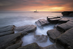 Milky Pit (Steve Clasper) Tags: oldhartley seascape steveclasper northeast coast coastal sunrise stmaryslighthouse