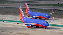 N725SW and N290WN Boeing 737-700 Southwest (SamCom) Tags: swa southwest southwestairlines 737 boeing 737700 kdal dal dallaslovefield lovefield n725sw n290wn