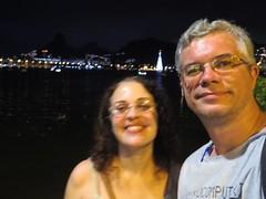 img_0652 (Ricardo Jurczyk Pinheiro) Tags: reflexo água iluminação selfie árvoredenatal ricardo lagoarodrigodefreitas mariacláudia riodejaneiro