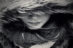 Elle (AnneStany) Tags: portrait noirblanc blackwhite monochrome kid enfant child childwood winter hiver froid cold wind vent