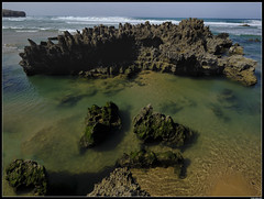 Praia Da Amoreira (LilFr38) Tags: lilfr38 fujifilmxpro2 fujifilmfujinonxf1024mmf4rlmois algarve portugal praiaamoreira beach ocean sand wave cliff rock plage océan sable vague rocher falaise