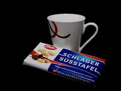 Kaffee und Schokolade (ingrid eulenfan) Tags: 2019 kaffeepause pausecafé coffebreak 365project kaffee espresso cappuccino cup coffeepot tasse coffee togo schokolade chocolate zetti süsstafel
