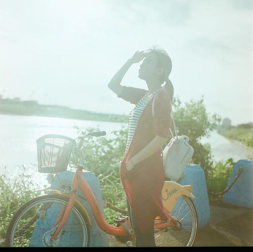 夕陽下的河濱慢騎