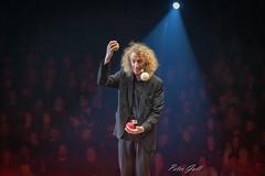 Flick Flac X-MAS-Show in Nürnberg 1526 (Peter Goll thx for +10.000.000 views) Tags: circusflicflac nürnberg 2019 zirkus flicflac bayern deutschland de clown artist künstler circus backlicht gegenlicht