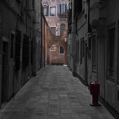 Venice-Streets3 (nikkijwells) Tags: venice italy italian selective colour color alley alleys streets old