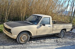 Peugeot 504 Pick-up (benoits15) Tags: peugeot 504 pickup french car nimes auto retro