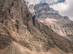 View on Wenkchemna Pass Trail (Colin Campbell Photography) Tags: wenkchemnapass lakelouise morainelake eiffellake