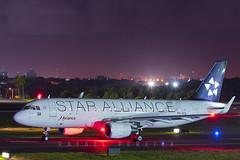 PR-OCQ - Airbus A320-214 - Avianca StarAliance (RafaelBateraSSA) Tags: ssa sbsv salvador night boeing airbus nikon sideral avianca jordan tap copa airlines gulfstream g450 737f a320 767 a330 planes spotter