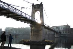Bridge chill (revoli photo) Tags: lyon slack slackline bateau soane rhone parc song city sun bird