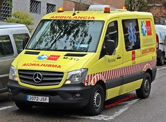 Ferrovial (emergenciases) Tags: emergencias españa 112 vehículo madrid explosiónvallecas vallecas puentedevallecas sanitarios ambulancia ferrovial safe ambulance a1 tipoa1 sprinter mercedes