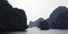 Ha Long - descending dragon (www.holgersbilderwelt.de) Tags: halong vietnam gulfoftonkin southchinasea pacificocean nature beautiful light sky water travel landscape tree summer sea beach color art mountain ocean island plant outdoor fine shadow amazing weather scenic silhouette perspective waterscape nationalpark aperture