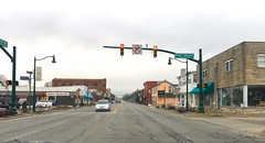 Main Street (linda_lou2) Tags: 365the2019edition 3652019 day79365 20mar19 79365 119picturesin2019 themeno98 streetlife trafficlight street road town