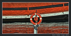 Colors at the port (cienne45) Tags: carlonatale cienne45 natale genoa liguria italy oldport boat barche riflessi reflections colours color colori rosso red