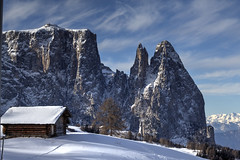 Seiser Alm (Seba.it) Tags: italy dolomites dolomiti italia altoadige sudtirol alpen alpi alps mountains montagne montagna neve schnee schlern sciliar puntasantner flickr orianosebastiani