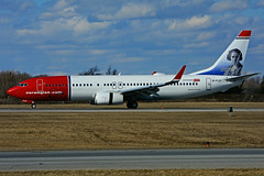 EI-FJY (Norwegian Air International) (Steelhead 2010) Tags: norwegian boeing b737 b737800 yhm eireg eifjy claracampoamor
