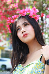 IMG_2625 (Sharmila Padilla) Tags: flowers lady canon portrait ladies balloon outside play pinkflowers pink photography street modes happy joy smile pretty sports white road makeup