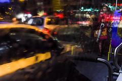 Noche_Lluvia_Autobus-0451 (Crebolledof) Tags: calle color fotografíaurbana fotografíacallejera fotografíadecalle street streetphotography straightphotography night noche nocturnas