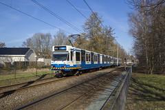 Langs Amstelveens achterkant (Tim Boric) Tags: amstelveenlijn gondel voerman tram sneltram tramway streetcar strassenbahn interurban überlandbahn lijn51 bn gvb