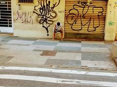 agora estou ocupado (lucia yunes) Tags: leitura leitor jornal cenaderua fotografiaderua fotoderua ler read reading lector newspaper news lifestreet streetphoto streetshot streetscene streetphotography streetlife lifeinstreet motoz3play luciayunes