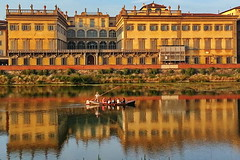 Florence, Arno river (gerard eder) Tags: world travel reise viajes europa europe italy italia italien toscana toskana tuscany city ciudades cityscape cityview urban urbanlife urbanview städte stadtlandschaft arno river palace palacio palast reflections spiegelung wasser water boats boote barcas architecture arquitectura architektur outdoor oldcity