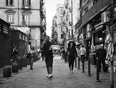 service (Erwin Vindl) Tags: service streetphotogrpaphy streettogs candid blackandwhite monochrome napoli erwinvindl olympuspmd em10markii