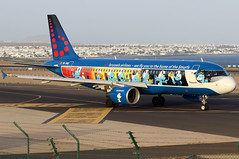OO-SND_01 (GH@BHD) Tags: oosnd airbus a320 a320200 a320214 sn bel brusselsairlines logojet specialcolours smurfs aerosmurf ace gcrr arrecifeairport arrecife lanzarote aircraft aviation airliner