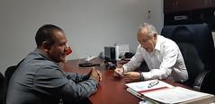 Con el Síndico suplente de Santa Catarina Ticuá, David Merino trabaja nuestro coordinador Heliodoro_hcde para capacitar al personal del Consejo Municipal de ProtecciónCivil