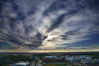 El cielo de una mañana sobre Sevilla