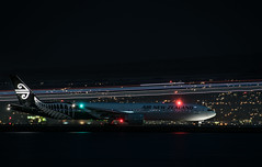 peace be with you new zealand (pbo31) Tags: bayarea california nikon d810 color march 2019 boury pbo31 stpatricksday night dark black sanfranciscointernational sfo airport takeoff plane boeing airline departure burlingame runway sanmateocounty travel flight aviation 777 airnewzealand taxi auckland