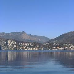 (Paolo Cozzarizza) Tags: italia lombardia brescia pisogne panorama acqua riflesso roccia