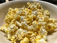 2019 080/365 3/21/2019 THURSDAY - Popcorn (_BuBBy_) Tags: snacking 03212019 thorsday thursday 365days 365 80365 080 2019 snax snack fat i'm why is this corn popped popcorn