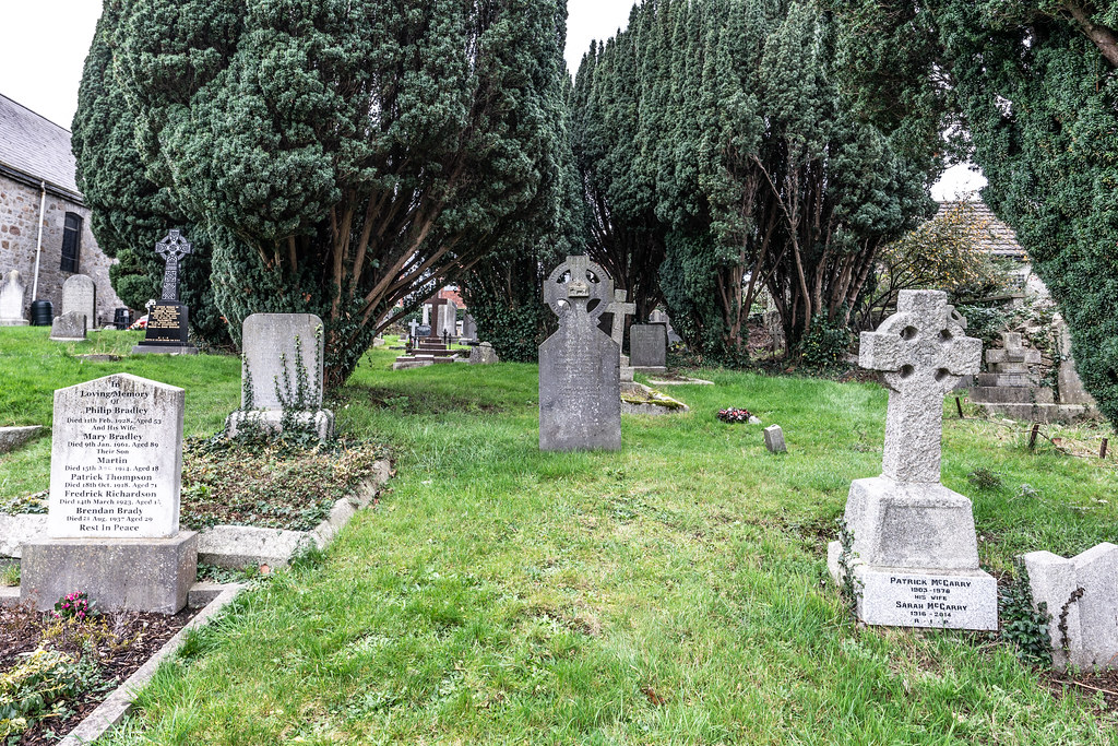 SAINT NAHI'S CHURCH [A VERY OLD CHURCH AND GRAVEYARD NEAR THE TRAM STOP IN DUNDRUM]-147347
