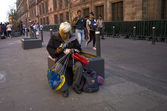 L1009680 (Sonsoles Huidobro) Tags: leicam10 elmarit24 streetphotography urbanphotography mexico