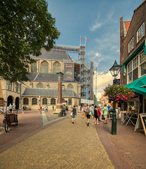 Streetlife in Alkmaar. (Alex-de-Haas) Tags: oogvoornoordholland 11mm alkmaar blackstone d850 dutch europa europe european grotekerkalkmaar grotesintlaurenskerk hdr holland irix irix11mm irixblackstone lightroom nederland nederlands netherlands nikon nikond850 noordholland photomatix photomatixpro westfrisia westfriesland westfries architecture architectuur building buildings center centrum city cityscape gebouw gebouwen innercity stad straat street summer town urban zomer northholland nl