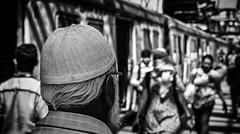 Mumbai (VII) (manuela.martin) Tags: bw blackandwhite schwarzundweis streetphotography india mumbai people peoplephotography foreignpeople hasselblad x1d hasselbladx1d mediumformat
