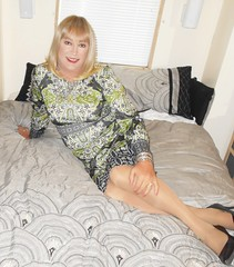 DSCN1780_pp (DianeD2011) Tags: crossdresser cd crossdress crossdressing stockings tg tranny transvestite tgirl tgurl pantyhose