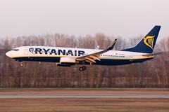 EI-EKA (Andras Regos) Tags: aviation aircraft plane fly airport bud lhbp spotter spotting landing ryanair boeing 737 b738 panning
