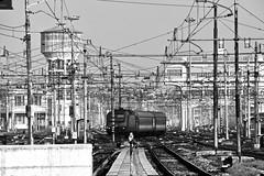 Milano - Stazione Centrale (Silvia Sagone) Tags: train railroad italy bnw milano