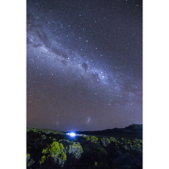 In difference (Robyn Hooz) Tags: reunion universe universo nubi magellano vialattea milkyway horizon stelle stars alone man uomo mankind umanità earth science