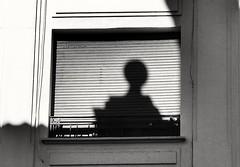Sombra (AdelaVilloria) Tags: sombra edificio ventana calle ciudad