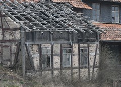 (Gerlinde Hofmann) Tags: germany thuringia town heldburg decay roof house