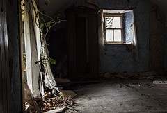 IMG_4768_1_pepe (shay connolly) Tags: abandoned ireland curtain climber