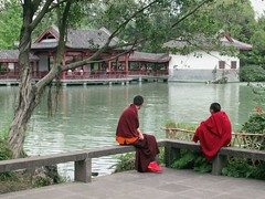 Monks Relaxing (D-Stanley) Tags: monks wuhoutemple chengdu sichuan china