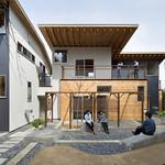 里山と一体となった農地付木造賃貸集合住宅の写真
