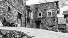 2734  Civis, Lleida (Ricard Gabarrús) Tags: civis pueblo aldea villa calle casas blancoynegro ricardgabarrus olympus ricgaba
