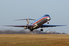 American MD-83 lifting off from Cleveland (chrisjake1) Tags: cle kcle cleveland hopkins american md80 md83 n971tw takeoff