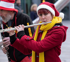 Wonderbrass florist (Nikonsnapper) Tags: olympus omd em1 75mm cardiff street colour band flute xmas