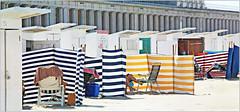 Sur la plage d'Ostende, Belgium (claude lina) Tags: claudelina belgium belgique belgië ostende mer sea plage beach merdunord noordzee sable cabine paravent galeries galeriesléopoldii